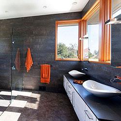 Използване на различни цветове в банята